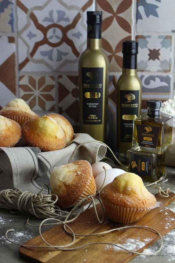 Magdalenas con aceite de oliva virgen extra de Pradolivo